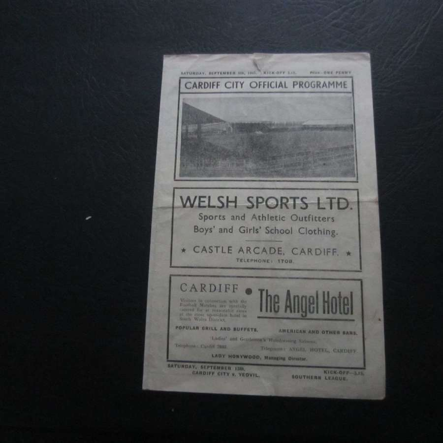Cardiff City v Torquay United 1945-46